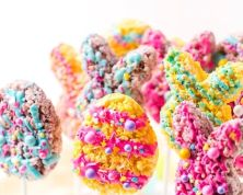 Easter puffed rice snacks